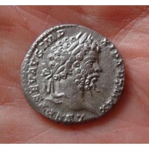 Septimius Severus - Jupiter Fraai portret!